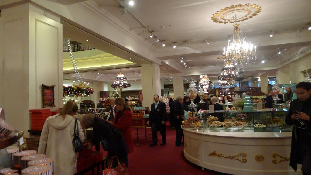 Fortnum and Mason is not one of my stops. Though I like it because it doesn't change. I did this just for the blog.