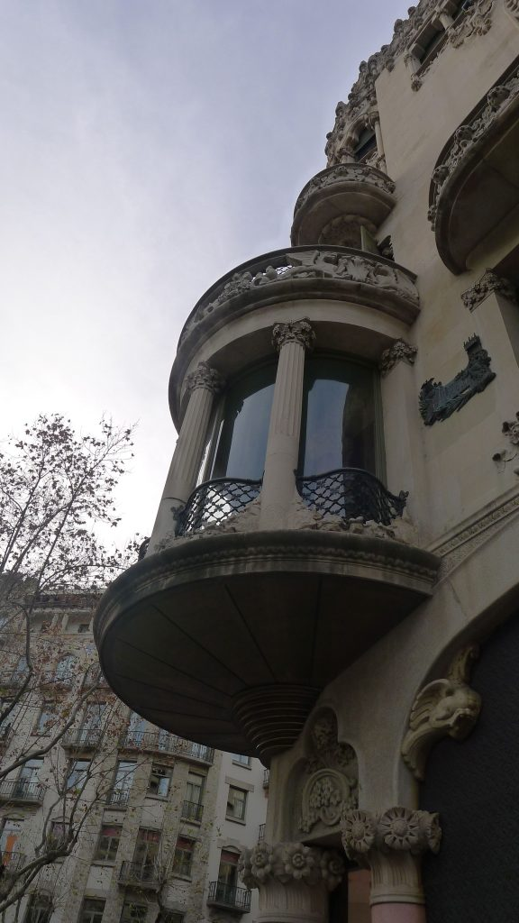 Everywhere you look in Barcelona there is great architecture. This bldg was a few down from the Gaudi.