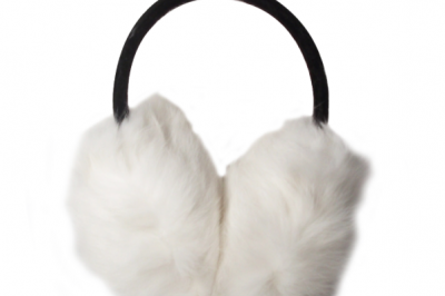 It's snowing here today. I wish I had had these white ear muffs.
